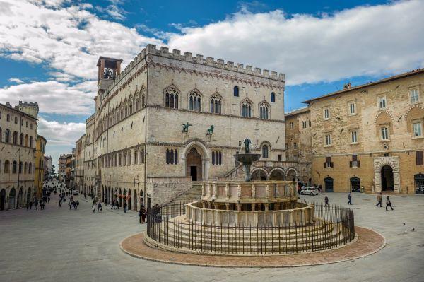 Fontana Maggiore on Piazza IV Novembre