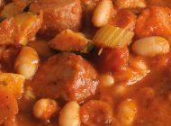 Zuppa con fagioli e salsiccia
