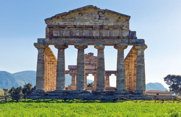 Kampanien/ Paestum / Tempel_Athena